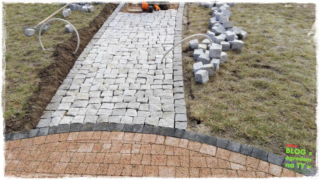 Bardzo dobra Chodnik z kostki granitowej. Zrób to sam – część 3. - z ogrodem na TY NR25