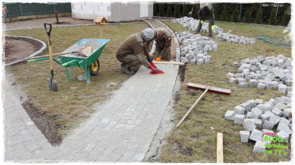 chodnik z kostki granitowej zogrodemnaty86